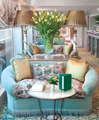 SS Antoinette Lounge
