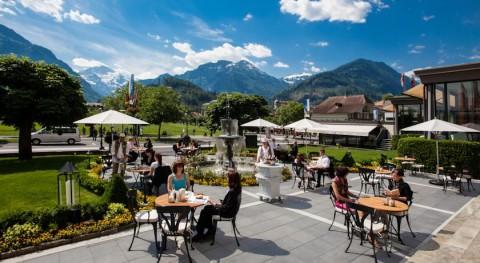 Victoria-Jungfrau-Hotel-Patio