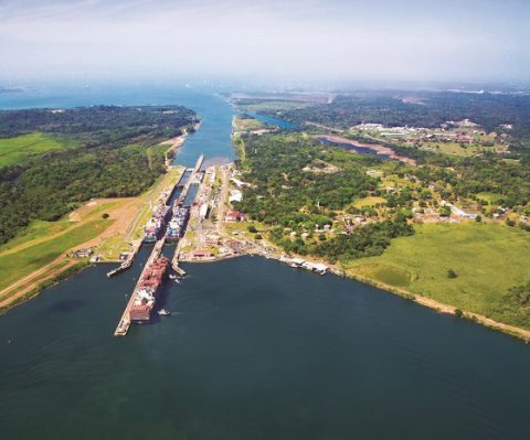 PANAMA-PassagethroughPanama-PH